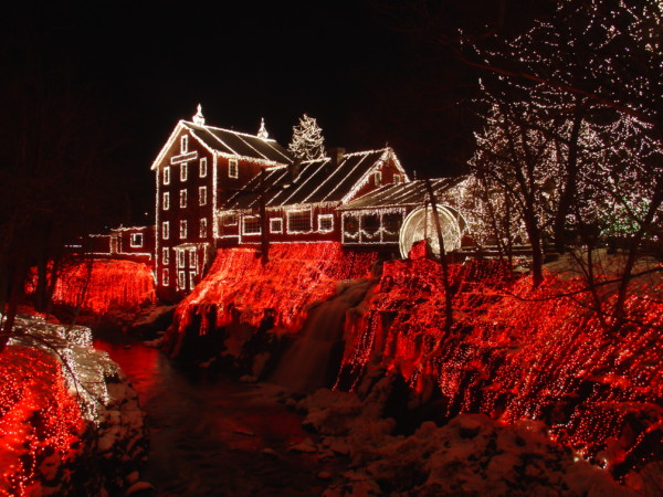 clifton_mill_christmas_2005