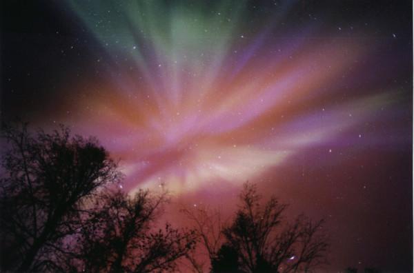 13 - Bắc cực quang hay Aurora là gì và là ai?