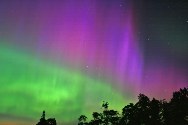 10 - Bắc cực quang hay Aurora là gì và là ai?