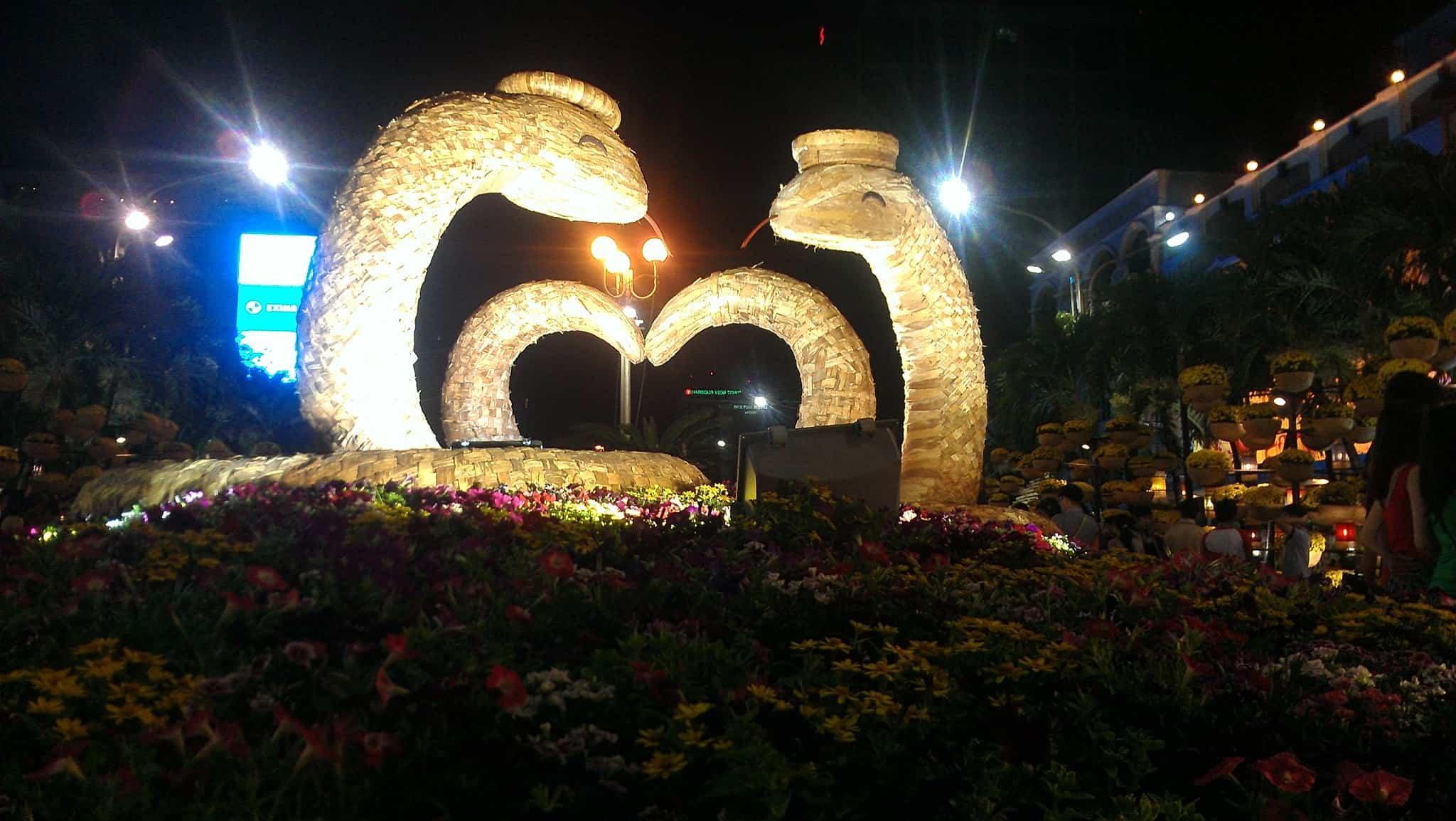 13 - Đường hoa Nguyễn Huệ tại Sài Gòn - TPHCM ở đâu, năm nay có gì mới?