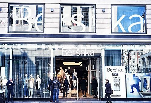 Cửa hàng Bershka